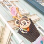 🍦ディズニーランドのアイスクリームコーンっていうお店のソフトクリーム&チョコレート🍦
